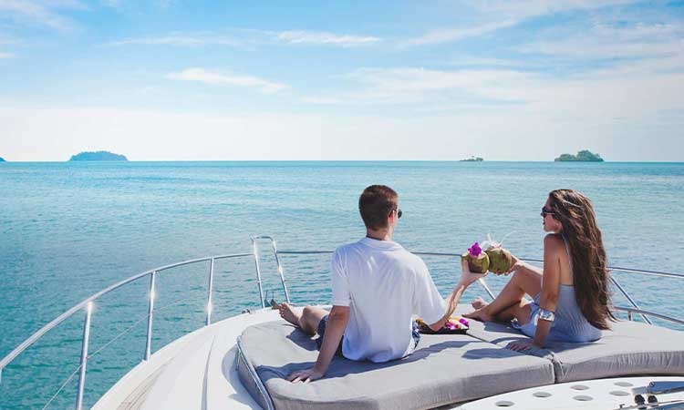 How To Charter A Luxury Yacht?